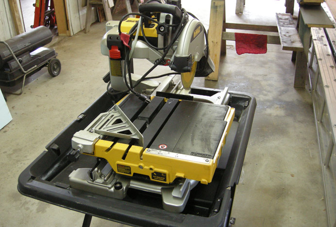 DeWalt 2400 tile saw (2)