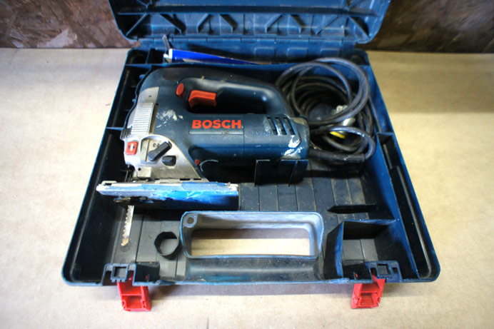 Bosch 1590 EVS random orbit jig saw