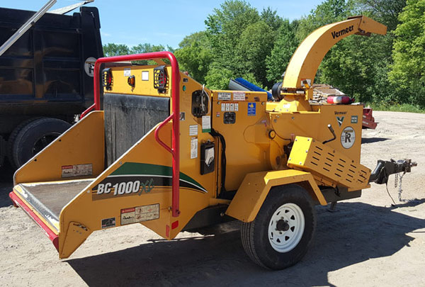 Vermeer BC 1000 wood chipper