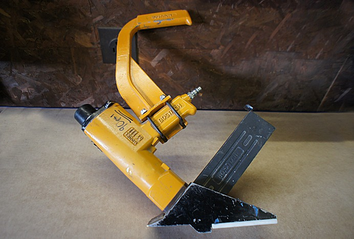 Bostitch M111 pneumatic flooring stapler