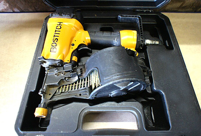 Bostitch N66C coil siding nailer