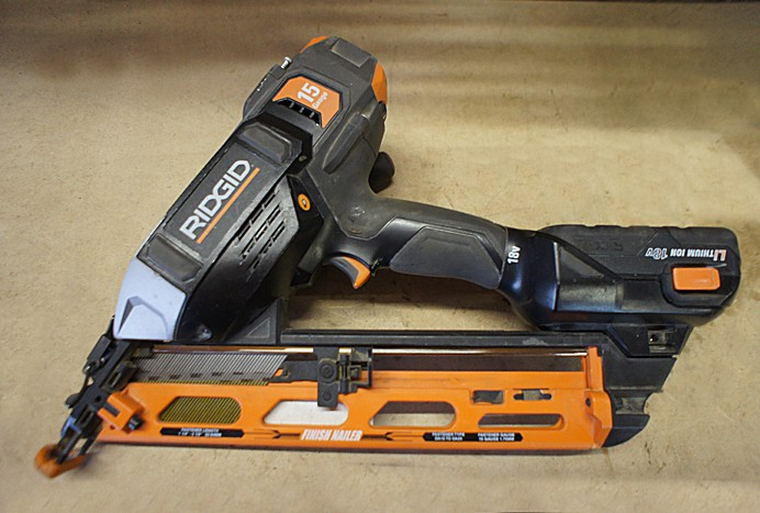 Ridgid cordless finish nailer (2)