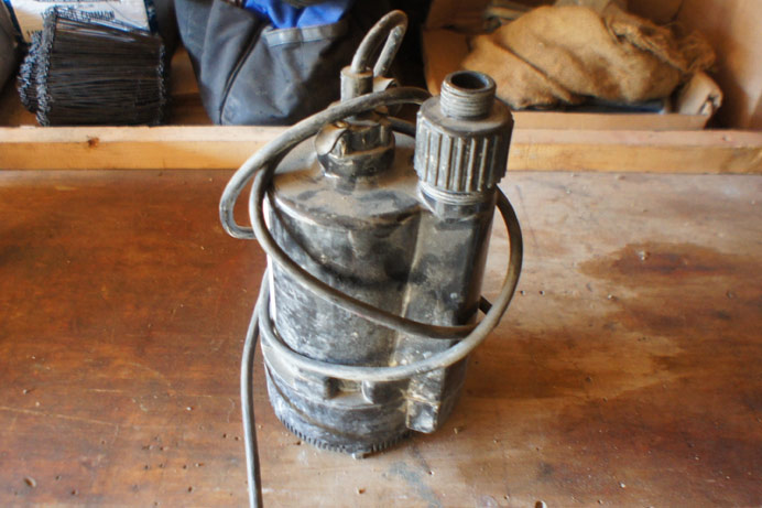 10 gallon a min Submersible pump