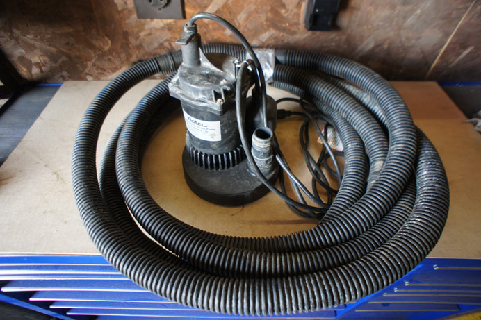 Submersible Pump 30 GPM 2' outlet